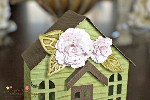 Joann-Larkin-Spring-House-Box-Closeup
