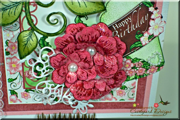 Joann-Larkin-Center-Explosion-Card-Flower2