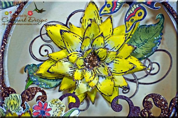 Joann-Larkin-Round-Easel-Card-Flower1