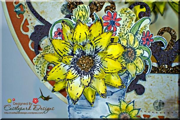 Joann-Larkin-Round-Easel-Card-Flower2