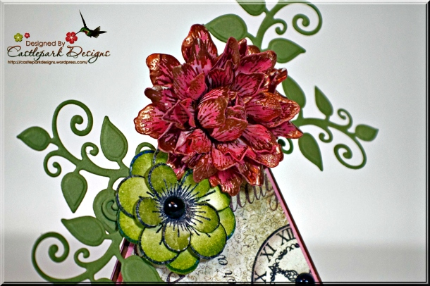 Joann-Larkin-Pyramid-Card-Flowers