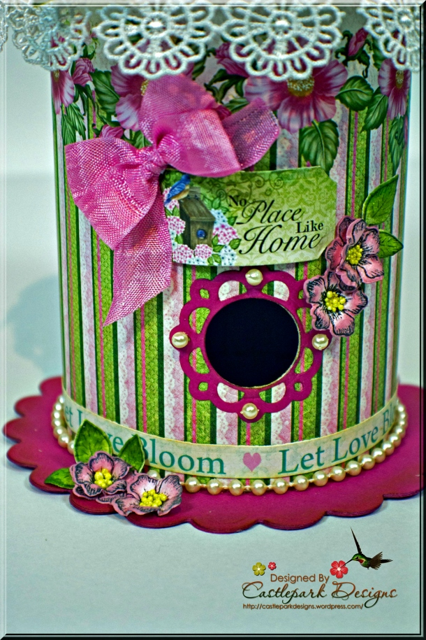 Joann-Larkin-Round-Bird-House-Base