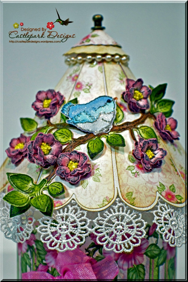 Joann-Larkin-Round-Bird-House-Top