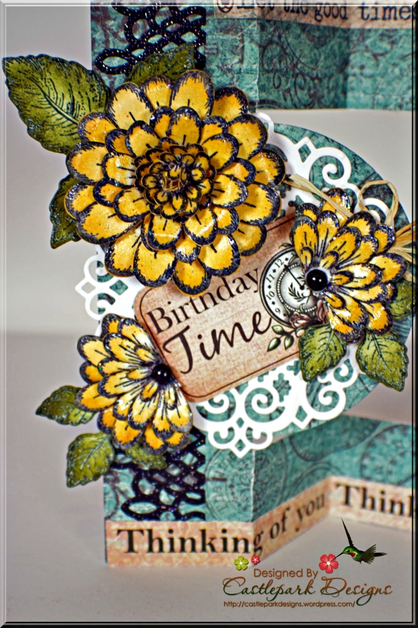 Joann-Larkin-Circle-Folded-Popout-Card-Flowers