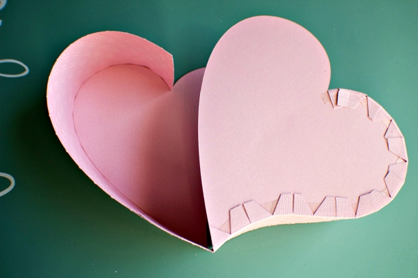 Joann-Larkin-Hinged-Heart-Box-Step6