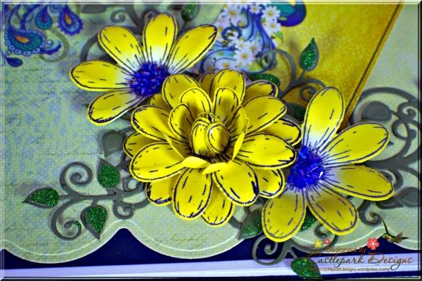 Joann-Larkin-Memory-Book-Box-Flowers