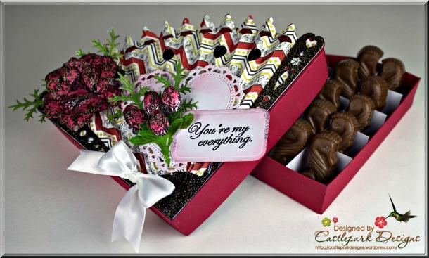 Joann-Larkin-Heart-Fan-Chocolate-Box-Open